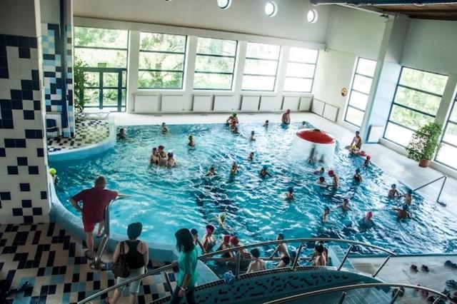Bogusław Kmak, zastępca dyrektora MOSiR, podkreśla, że między godz. 16 a 20 z basenu przy ul. Nadbrzeżnej korzysta najwięcej osób