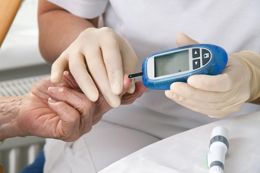 Przedostanie się bakterii próchnicotwórczych do krwiobiegu,...