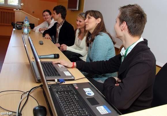 Energopomysłowi na konferencji prasowej, na której informowali o projekcie
