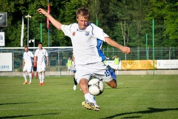 Wojciech Hober zdobył drugą bramkę dla MKS Kluczbork w meczu z Błękitnymi.