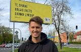 Roobens z Bytomia promuje 50 lat Spodka. Billboardy ze śląskimi hasłami pojawiły się w Katowicach, Zabrzu i Gliwicach