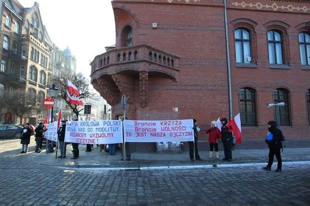 Pikieta przed siedzibą Gminy Żydowskiej w Poznaniu