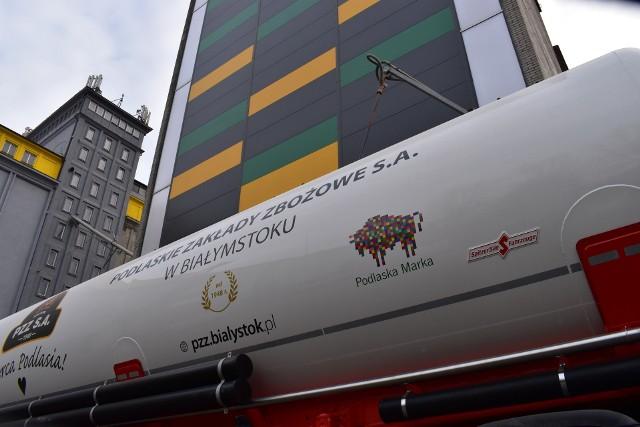 Białostockie PZZ zatrudniają ponad stu pracowników. Są jednym z największych w Polsce producentów mąk pszennych i żytnich oraz płatków owsianych i jęczmiennych.