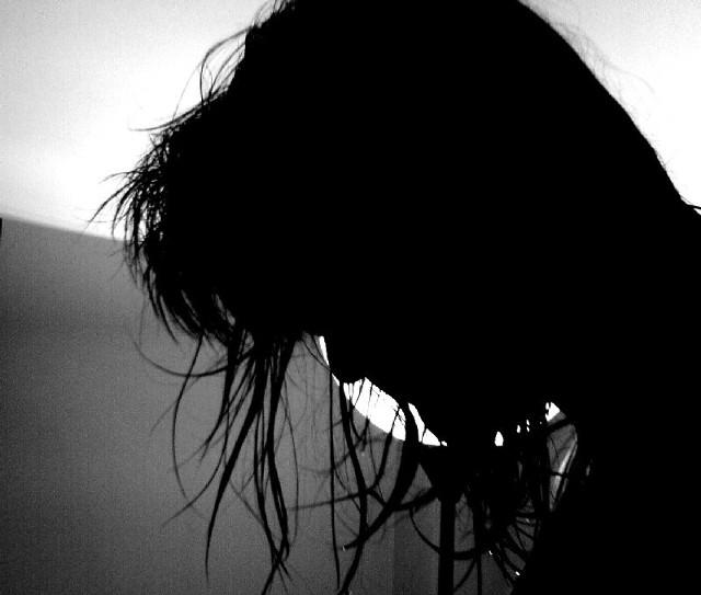 Młoda kobieta jednym ciosen zakończyła spór