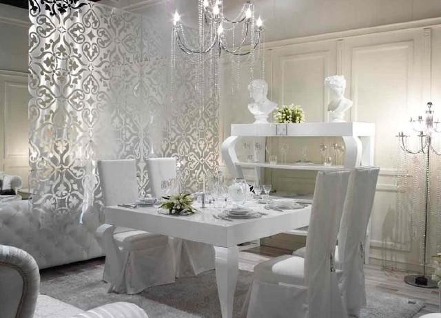 Kolekcje wielu projektantów toną w tym roku w bieli - mówi właścicielka galerii wnętrz Ambietne w Kielcach, Monika Bartosiewicz