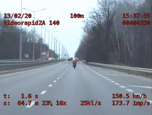 27-latek jechał ponad 150 km na godzinę na ul. Warszawskiej w Poznaniu