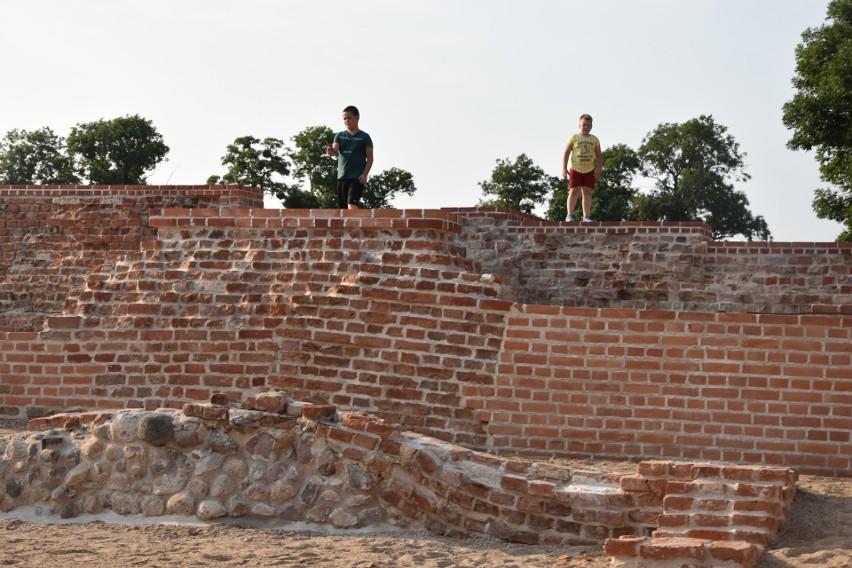 Ruiny zamku rycerskiego w Szubinie, po rewitalizacji, nie do...