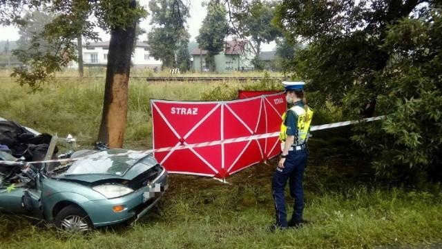Śmiertelny wypadek koło Pabianic. W wypadku w Chechle I zginął 24-letni kierowca.