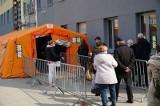 Poniedziałek Wielkanocny. Prawie 10 tysięcy nowych zakażeń koronawirusem w Polsce. Ostatniej doby zmarły 64 osoby