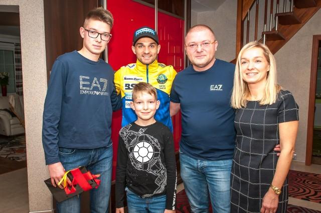 Bartosz Zmarzlik odwiedził rodzinę Golców