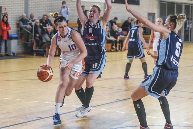 Anita Szemraj zdobyła 16 punktów dla Pomarańczarni MUKS w meczu z Liderem Pruszków