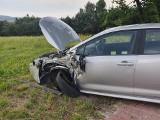 Gmina Zabierzów. Wpadek na drodze krajowej. Zderzyły się dwa pojazdy, jedna osoba trafiła do szpitala