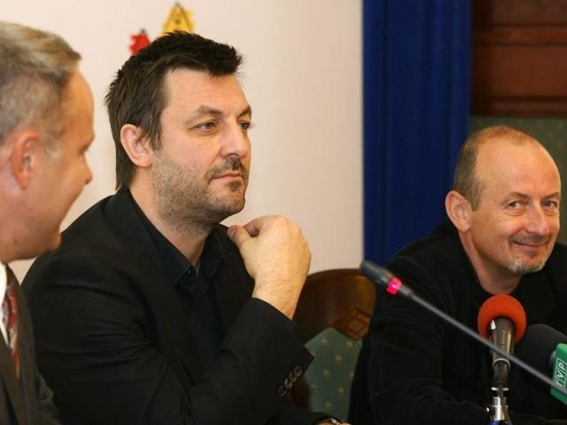 Paweł Wodziński został formalnie mianowany na dyrektora Teatru Polskiego w Bydgoszczy. Stanowisko przejmie po Pawle Łysaku (na zdjęciu z prawej) już 1 września