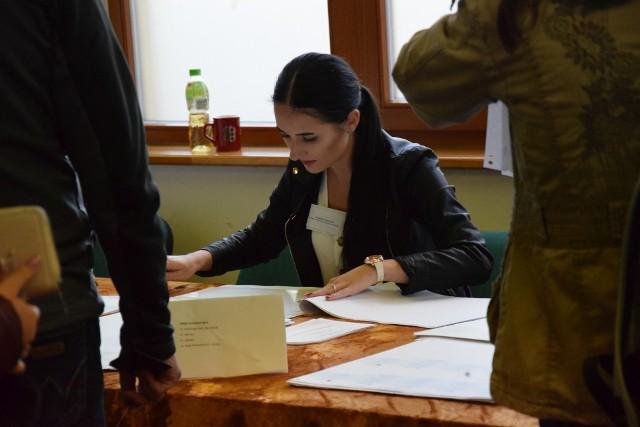Tak było na wyborach samorządowych 2018 w Oleśnie. Wybory uzupełniające będą 14 lutego.