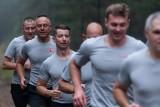 Tak ćwiczą żołnierze z 11. Lubuskiej Dywizji Kawalerii Pancernej. W zdrowym ciele w zdrowy duch! Zobacz, jak wygląda WF w wojsku