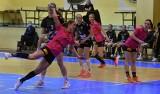 1. liga piłkarek ręcznych. Zaczęło się niewesoło, ale Suzuki Korona Handball Kielce wygrała z Wesołą