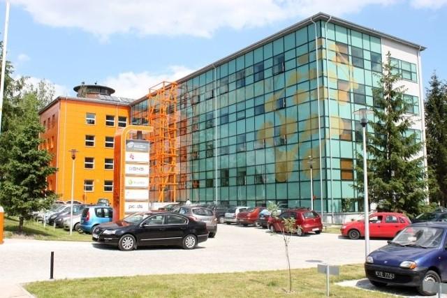 Kielecki Park Technologiczny najlepszy w Polsce!Kielecki Park Technologiczny składa się z Inkubatora Technologicznego oraz Centrum Technologiczne. Budynki powstały dzięki dofinansowaniu unijnemu pochodzącemu z Programu Rozwój Polski Wschodniej.