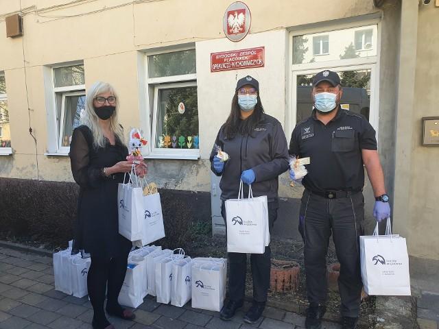 Paczki przygotowane  w ZK w Koronowie już trafiły do dzieci z placówki przy ul. Stolarskiej w Bydgoszczy