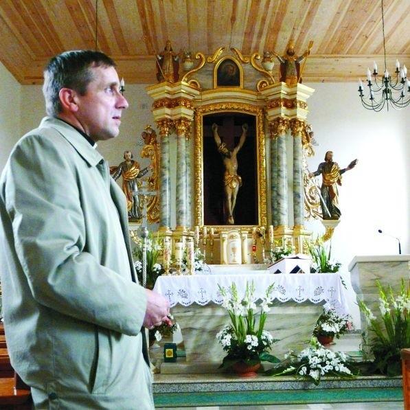 Ks. Jarosław Stefaniak pragnie dalej remontować zabytkowy gotycki kościół. Mają mu w tym pomóc fundusze unijne, których procedura pozyskania jest jednak niezwykle trudna.