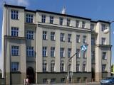 """Ranking """"Perspektyw"""" 2021. Liceum """"Reja"""" w Jędrzejowie awansowało w ogólnopolskim rankingu. Jak inne szkoły?"""