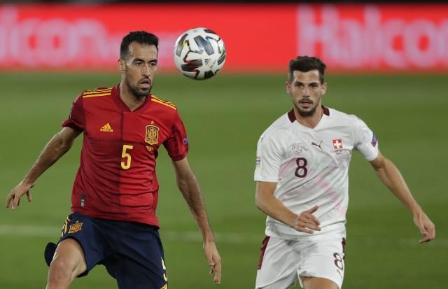 Covid-19 wyeliminował z pierwszego meczu Hiszpanów na Euro doświadczonego Sergio Busquetsa