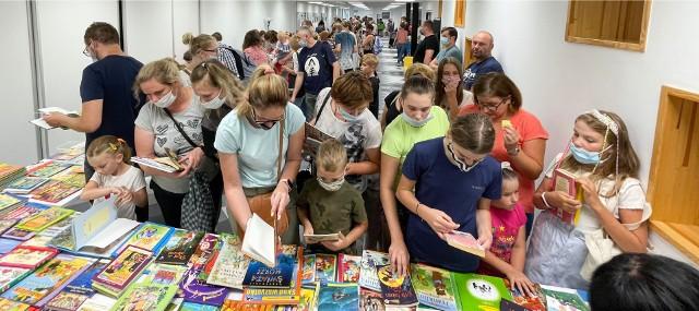 Niepołomicka Wielka Letnia Wymiana Książek 2021. Kolejną taką akcję zaplanowano w lutym 2022 roku
