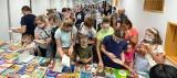 Rekordowa wymiana książek w Niepołomicach. Wydarzenie ściągnęło tłumy mieszkańców [ZDJĘCIA]