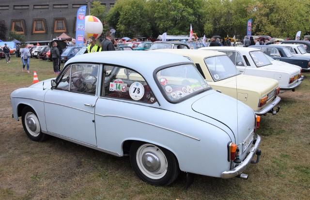 Posiadanie samochodu, nawet takiego jak Syrena podnosiło prestiż obywatela w PRL-u