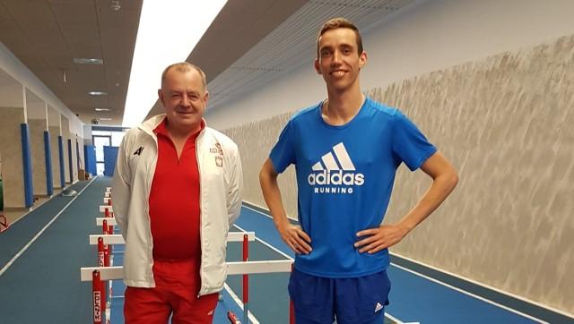 Patryk Dobek z trenerem Zbigniewem Królem.