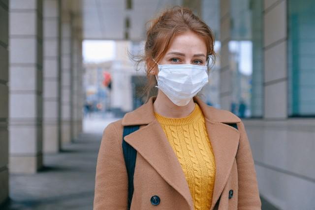 Koronawirus nie odpuszcza, ale wiele osób zapomina o stosowaniu podstawowych zasad bezpieczeństwa.