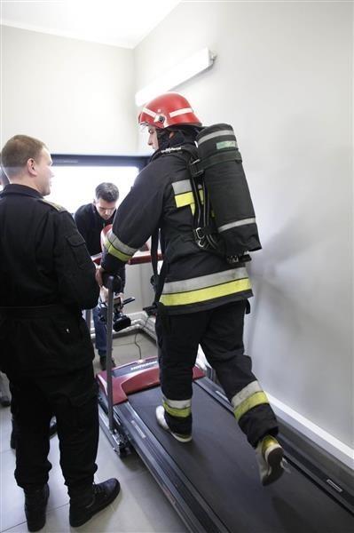 Strażacy pochwalili się nowym sprzętem.
