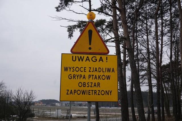 Wyniki badań z Państwowego Instytutu Weterynarii w Puławach potwierdziły ognisko ptasiej grypy Słaborowicach.