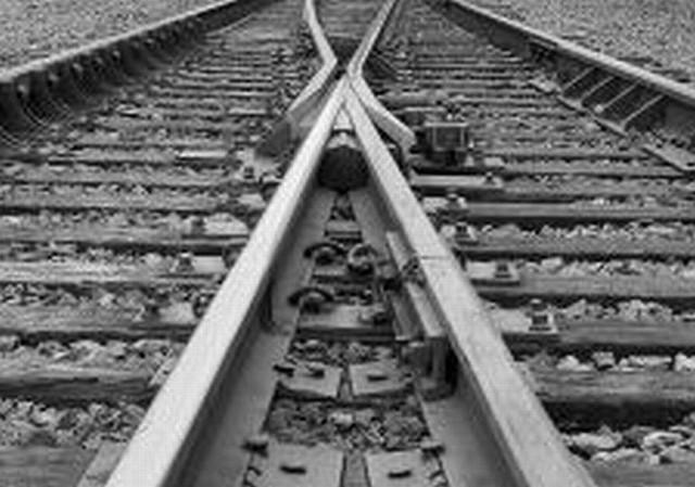 Pijany 25-latek wpadł pod pociąg w Jaksicach. Przeżył
