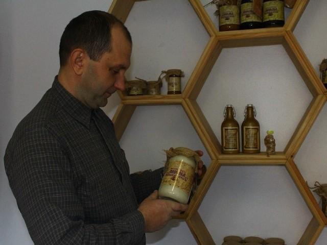 Piotr Blajer z Chorzowa w gm. Roźwienica, właściciel jednej z większych pasiek w Podkarpackiem twierdzi, że pszczelarze, którzy dobrze przygotowali ule przed zimą, nie powinni mieć problemów z kondycją swoich hodowli.