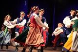 """Zespół Pieśni i Tańca """"Kujawy"""" we Włocławku obchodzi 35-lecie. Przygotował koncert na jubileusz"""
