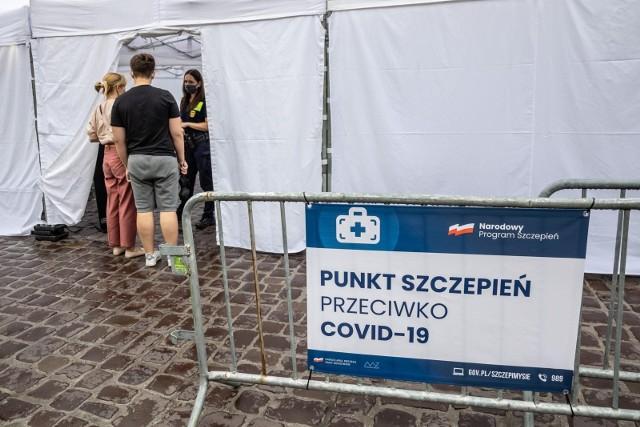 Koronawirus w Polsce. Ministerstwo Zdrowia: 103 nowe i potwierdzone przypadki zakażenia. Ostatniej doby zmarło 17 osób