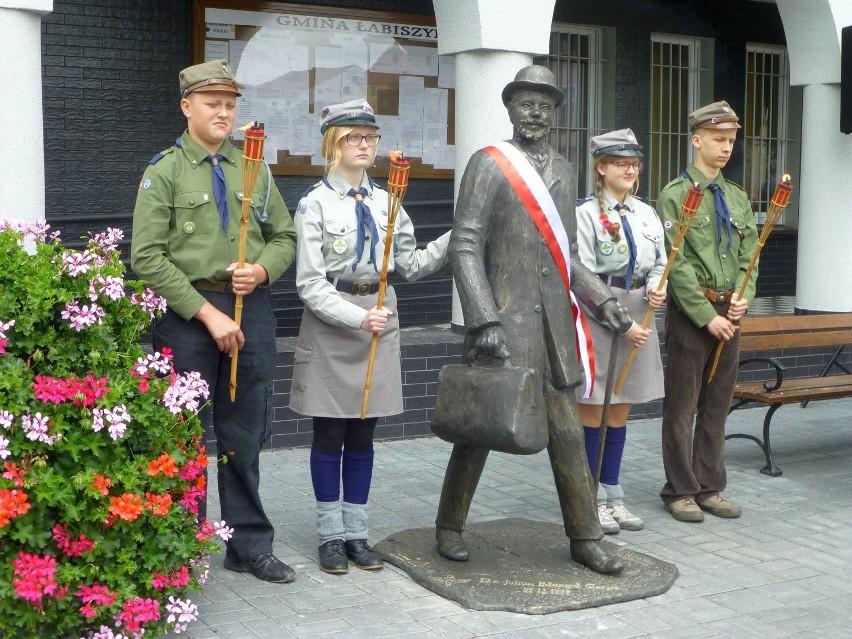 Odsłonięcie pomnika J. Gerpe w ŁabiszyniePomnik odlano z brązu