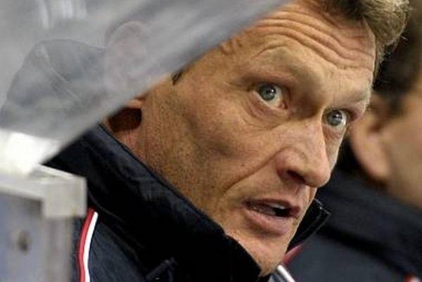Miroslav Frycer jako trener Ciarko PBS Banku Sanok powinien zadebiutować we wtorkowym meczu z Cracovią.