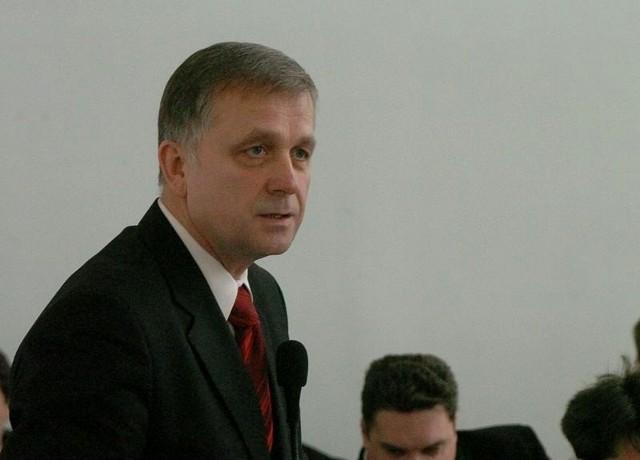 – Mieliśmy różne poglądy na temat inwestycji czy sposobu zarządzania w mieście i w tej sytuacji klub był niejako fikcją. Nie chciałem brać w niej udziału – podkreśla radny Tadeusz Stachaczyński.