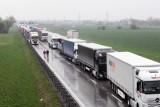 Wypadek na autostradzie. Korki w kierunku Wrocławia