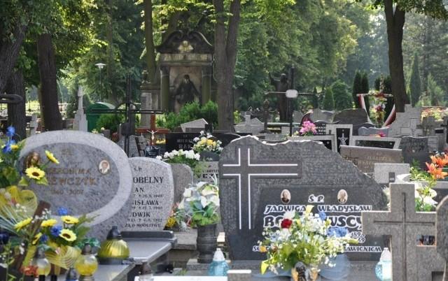 Cmentarz komunalny w Kluczborku.