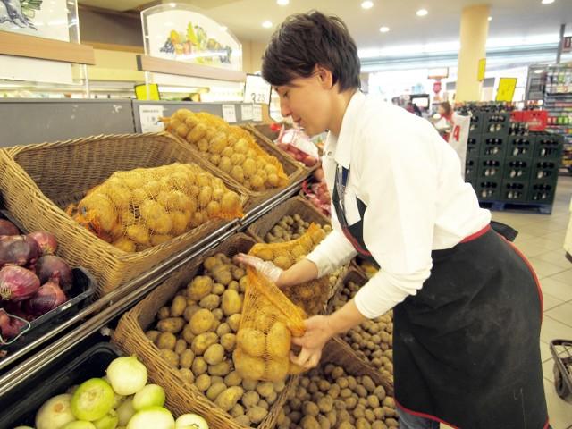 Promocje w Koszalinie. Szukamy dobrych okazjiWarto zwrócić uwagę na warzywa i owoce.