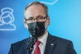 """""""Będziemy mogli zdjąć maseczki"""". Minister zdrowia potwierdza zniesienie obostrzenia"""