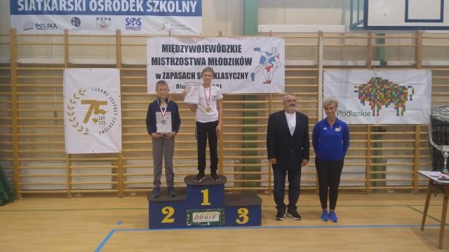 Na podium z nr 1 Szymon Godun (KS Wschód Białystok)
