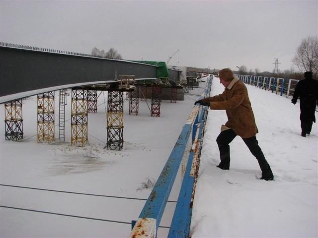 Budowę nowego mostu w Małkini oglądał niedawno poseł Henryk Kowalczyk
