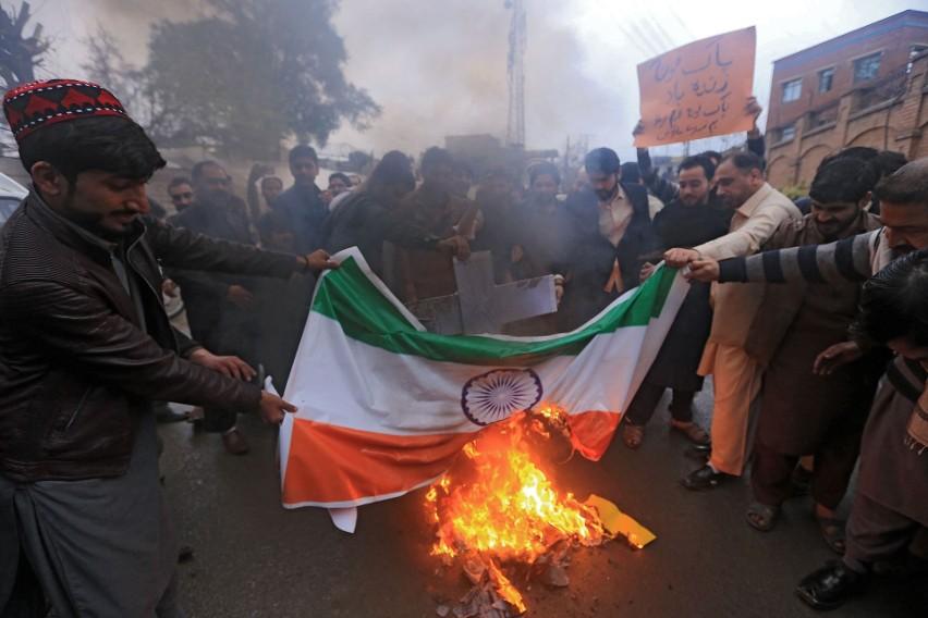 Rośnie napięcie między Indiami i Pakistanem. Oba kraje mają...