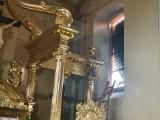 Włamanie do kościoła pw. Podwyższenia Świętego Krzyża w Brzezinach! Sprawca zniszczył zabytkowy witraż