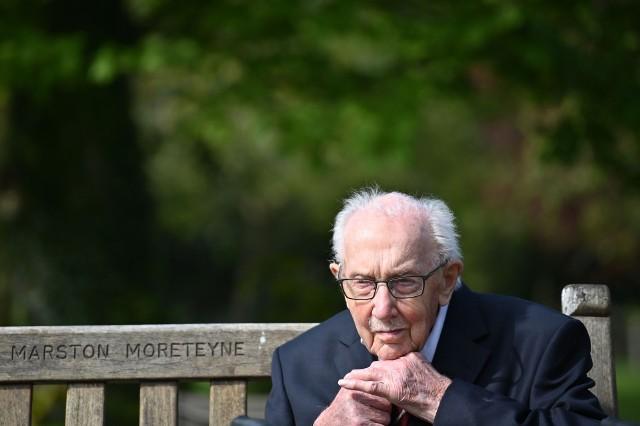 Wielka Brytania: Zamarł kapitan Tom Moore. Brytyjski weteran zebrał miliony funtów dla służby zdrowia