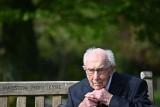 Wielka Brytania: Zmarł kapitan Tom Moore. Brytyjski weteran zebrał miliony funtów dla służby zdrowia