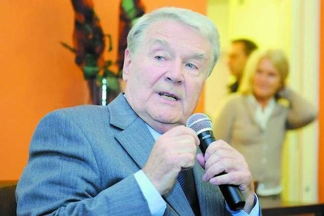 Leonard Pietraszak wspominał Bydgoszcz podczas spotkania w Wojewódzkiej i Miejskiej Bibliotece Publicznej w Bydgoszczy